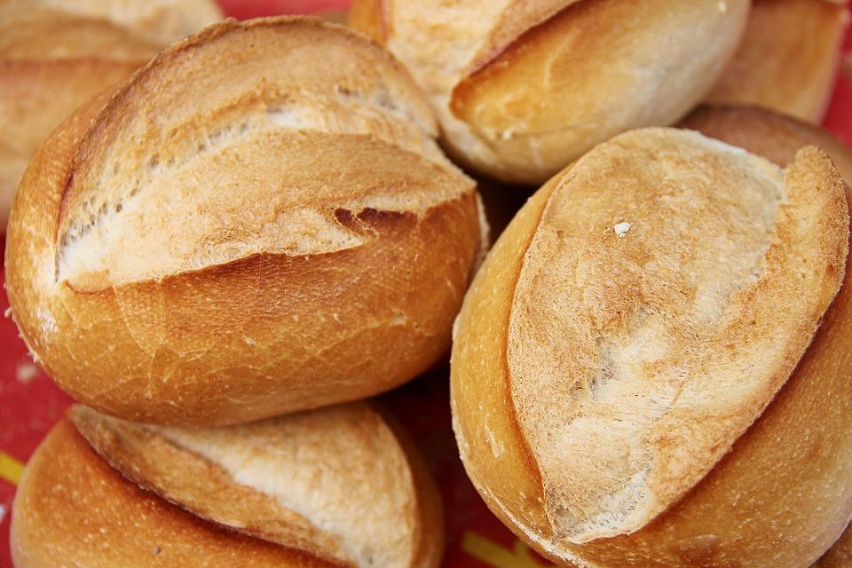 calculer pain pour repas baptême